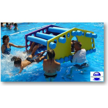 maison flottante enfant pour piscine. Black Bedroom Furniture Sets. Home Design Ideas