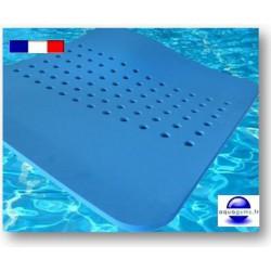D couvrez le tapis de piscine flottant pour vos s ances de for Tapis flottant piscine